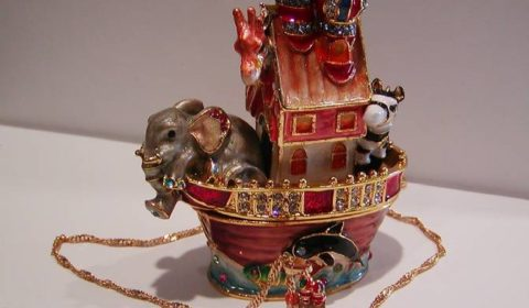 Noahs Ark Enameled figurine with matching necklace style 635-0701 $72.50