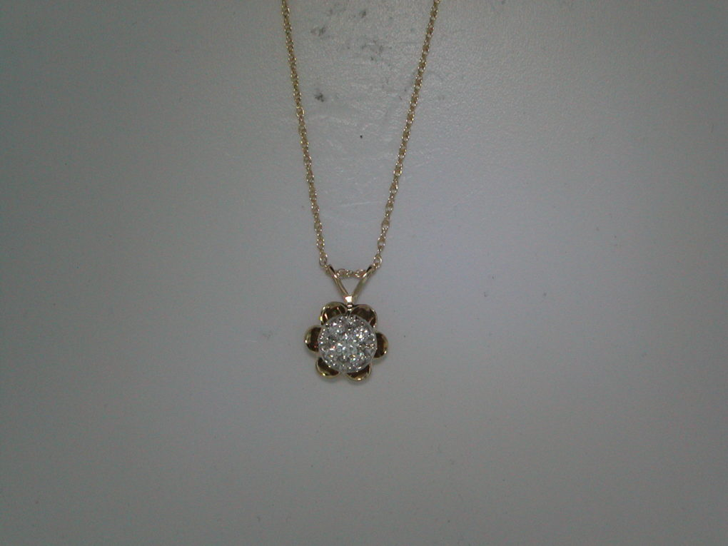 Buttercup diamond pendant set in 14kt yellow gold with 5 diamonds =.25ct with an 18in chain style 750-0560 $825.00