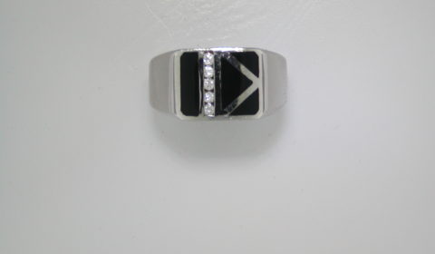 Onyx gents ring set in 14kt white gold with 5 diamonds =.17ct style 500-1853 $2500.00
