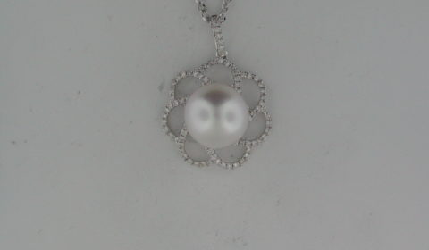 11-12mm white South Sea Pearl pendant in 14kt white gold with 98 diamonds =.50ct on a 20in, 1.7mm ropa chain Style Y370959PWXW $3660.00