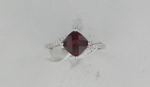 1.87ct garnet ring in 14kt white gold with 22 diamonds =.11ct Style Y371618R $855.00